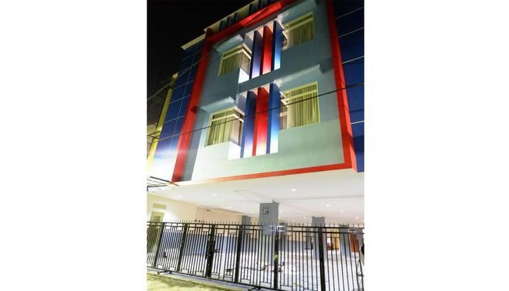 BASUDIRA Homestay Malang Malang - Exterior