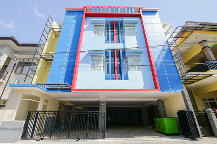 BASUDIRA Homestay Syariah Malang - Exterior
