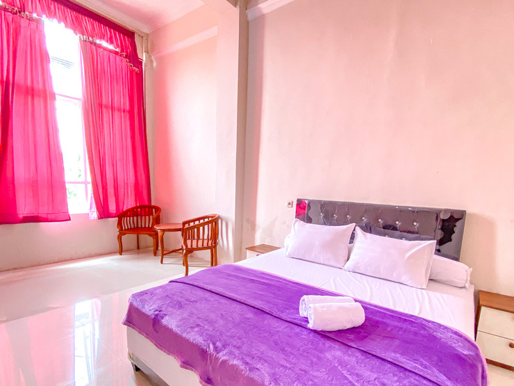Redisa GuestHouse Malang - Photo