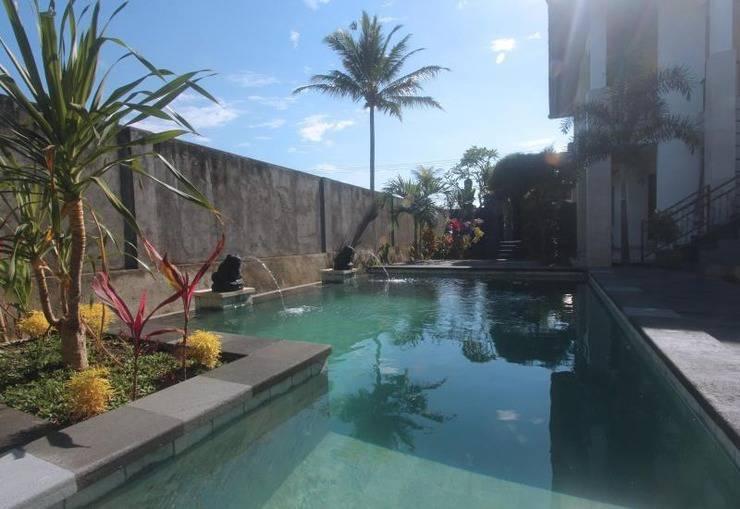 Yuliati Villa Kutuh Bali - Kolam Renang