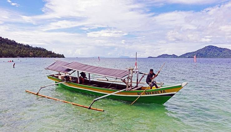 POP Hotel Tanjung Karang - Aktifitas di pantai