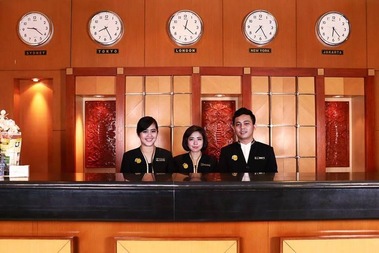 Hotel Mega Anggrek Jakarta - Receptiont