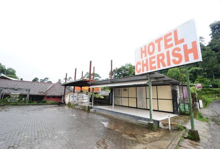 Hotel Cherish Bandung - Exterior