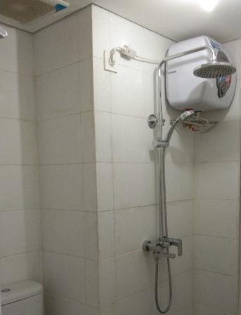 Apartemen Candiland 523 Semarang - Bathroom