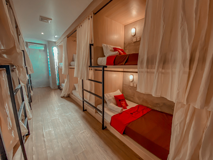 RedDoorz Hostel near LIppo Mall Kuta Bali - Photo