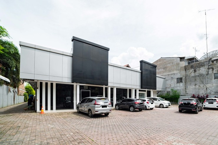 RedDoorz Plus near Thamrin Plaza Medan Medan - Photo