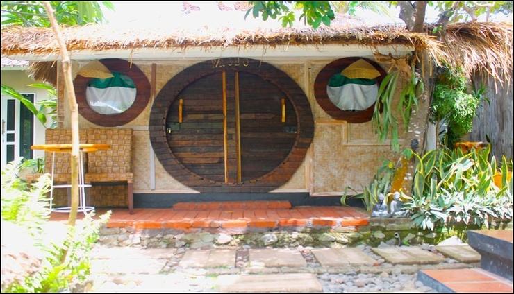 House of Hobbit Bali - exterior