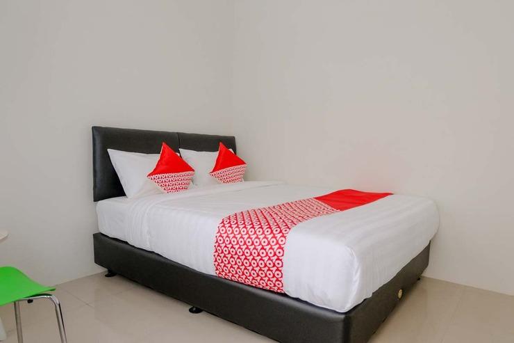 OYO 2798 Semeru Residence Syariah Jember - Guestroom S/D