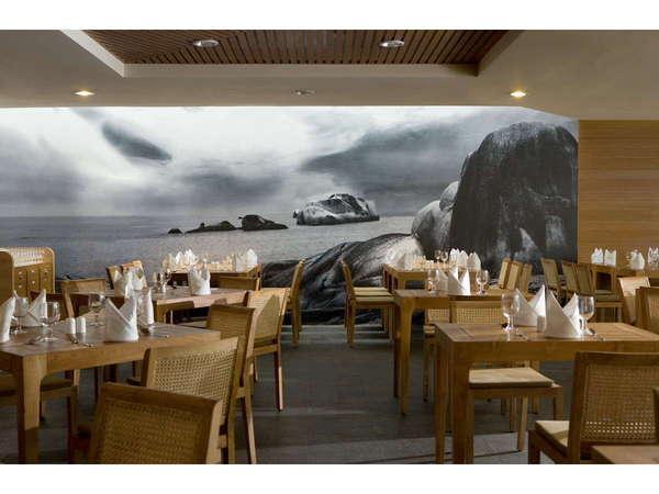 Hotel Santika Bangka - Restaurant