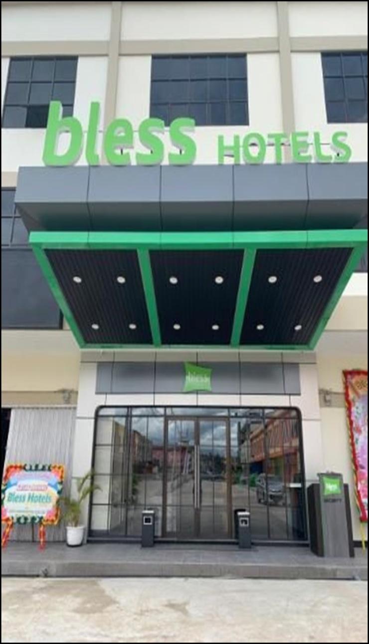 Bless Hotels Sintang - exerior