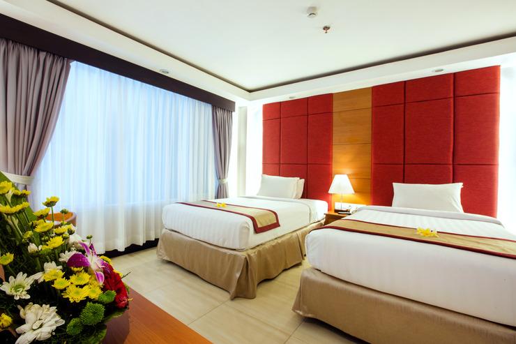 Royal Singosari Kuta - Deluxe Room Twin Bed
