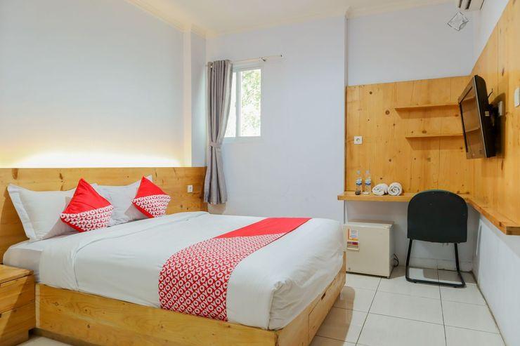 OYO 1317 Pinnus Residence Syariah Jakarta - Bedroom