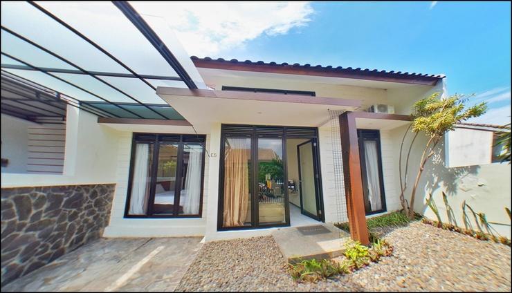 Villa 2 Bedrooms Near Jatim Park 2 No. C5 Malang - exterior