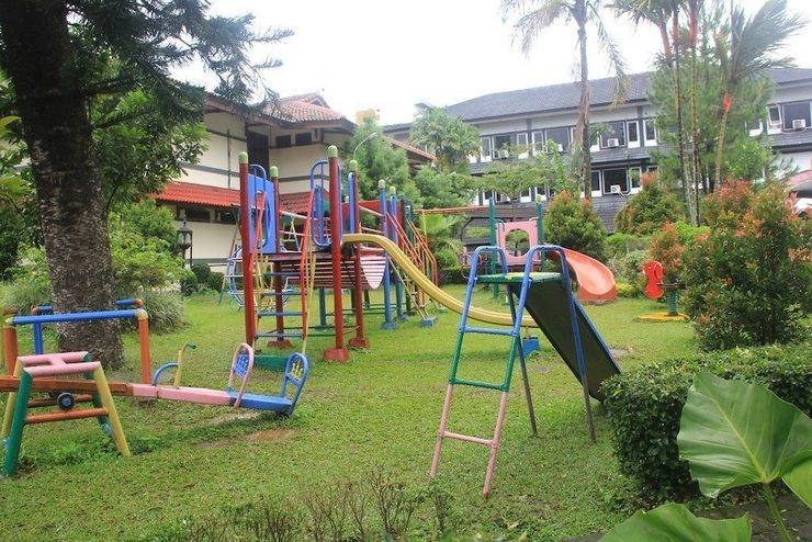 Hotel Parama Puncak - Childrens Play Area - Outdoor