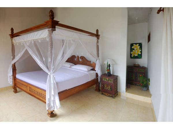 KarangSari Guest House Bali - Tempat Tidur Double