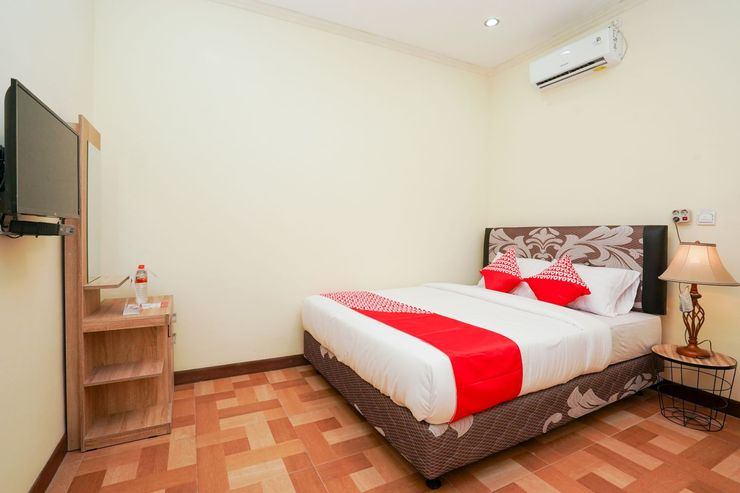 OYO 1856 Ale Homestay Surabaya - Bedroom