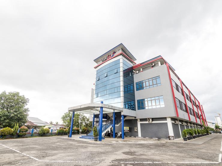 Capital O 1822 Wahana Inn Singkawang - Facade