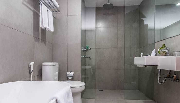 Pesonna Hotel Makassar - Kamar Mandi