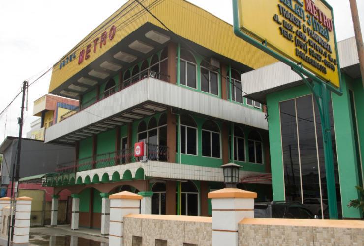 Hotel Metro Banjarmasin - Exterior