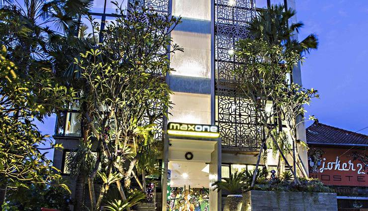 MaxOneHotels at Ubud Bali - hotel buildings