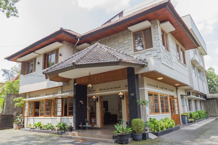 RedDoorz near Institut Teknologi Bandung 2 Bandung - Bangunan Properti