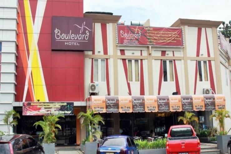 Hotel Boulevard Makassar - Tampilan Luar Hotel