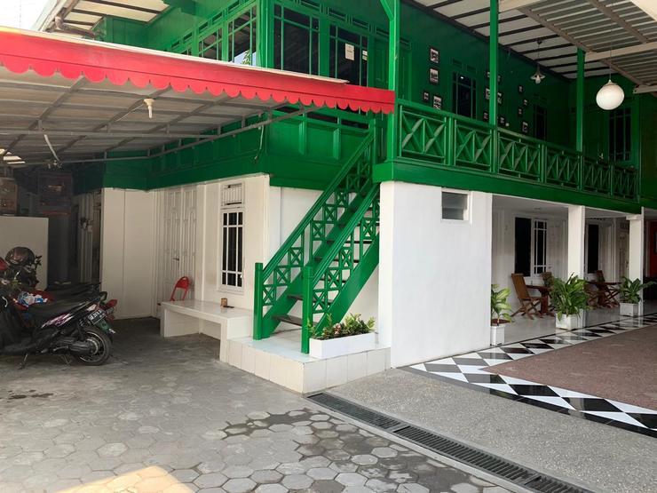 Rumah Kayu by Symphony Yogyakarta - tampilan depan