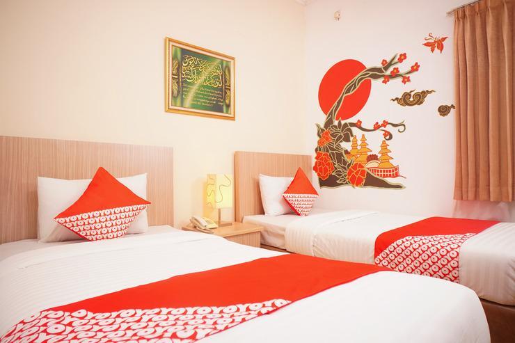 OYO 142 Hotel Al Furqon Syariah Palembang - BEDROOM