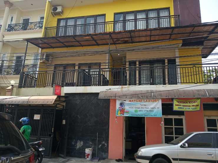 Guest House 647 Jakarta - Exterior