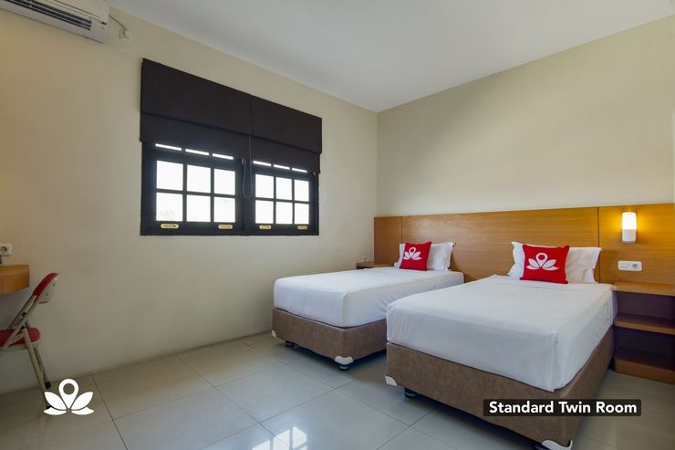 ZEN Rooms Family Guest House Kupang Baru Surabaya - Twin Room