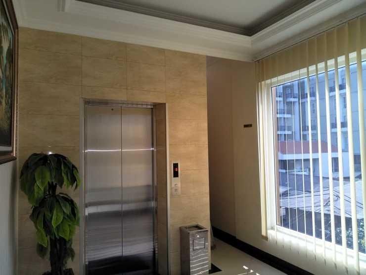 Golden Mansion Jakarta - Lift Floor