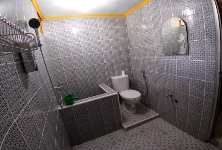 Wisma Mutiara Padang - Bathroom