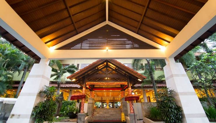 Plagoo Holiday Hotel Nusa Dua - Entrance