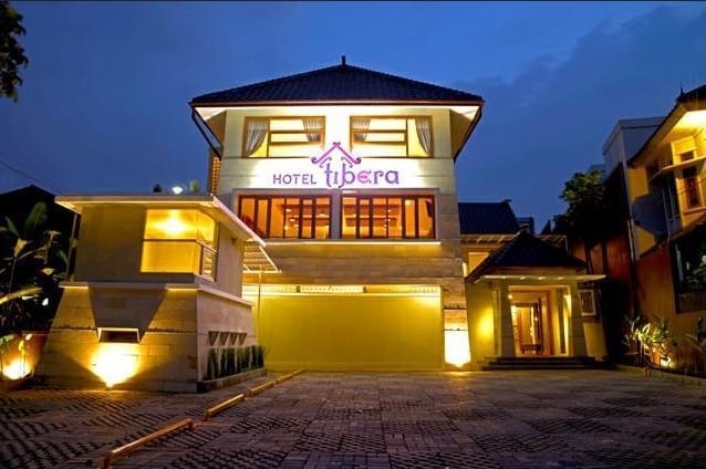 Tibera Hotel Taman Cibeunying Bandung - Exterior