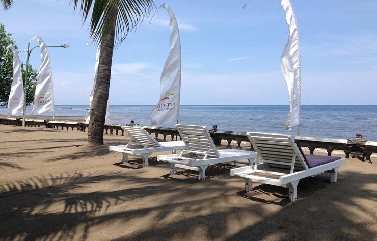 Aditya Beach Resort Bali - pemandangan pantai