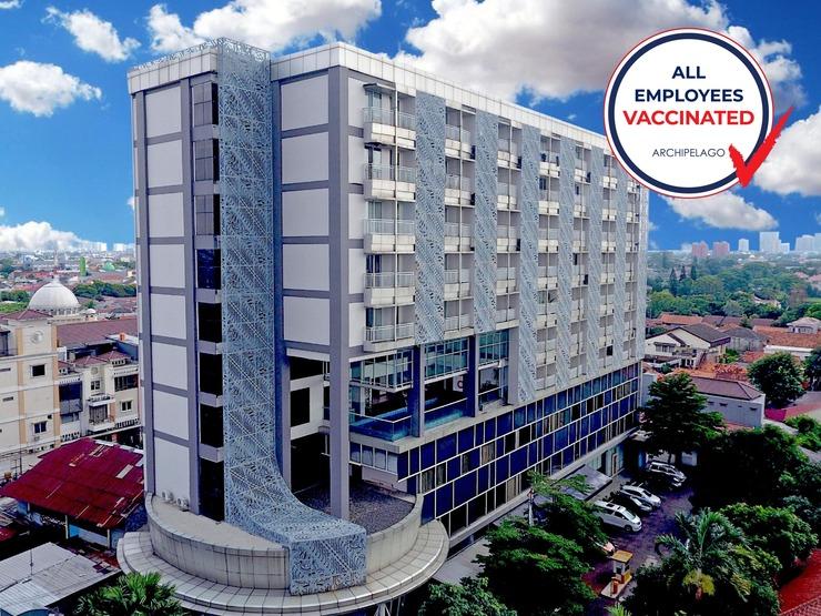 Aston Bellevue Radio Dalam Jakarta - Vaccinated