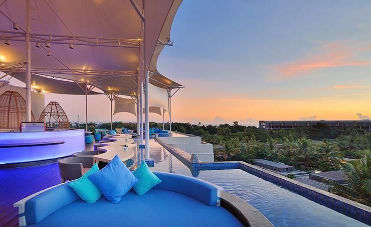 Golden Tulip Devins Hotel Seminyak - BLU Lounge