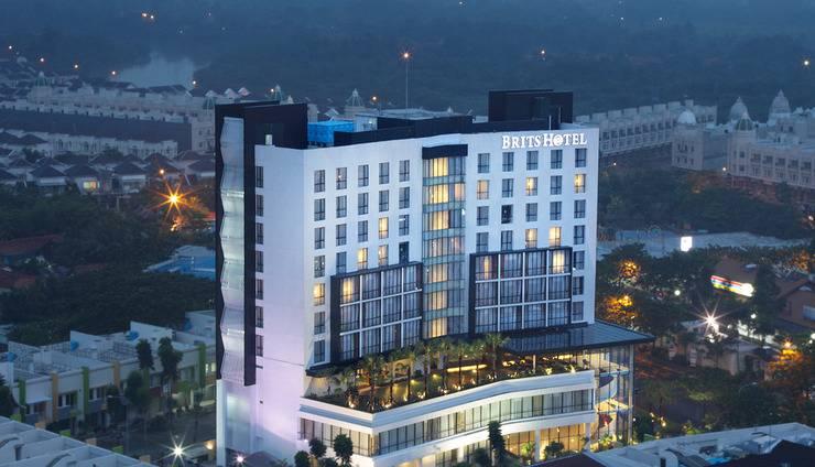 Review Hotel Brits Hotel Karawang (Karawang)
