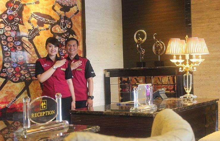 Regata Hotel Bandung - receptionis