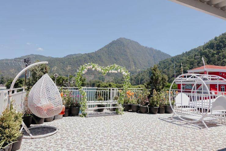 OYO 1342 Villa Tiara Magetan - Rooftop