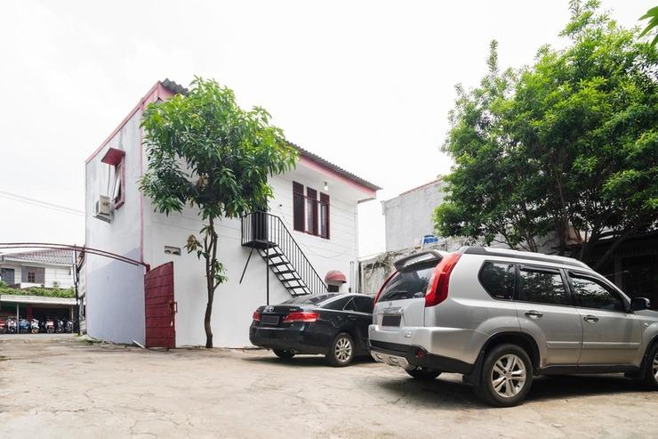RedDoorz near Universitas Pamulang Tangerang Selatan - Photo