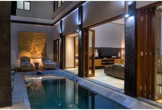 Michelina Villa Bali - (23/Dec/2013)