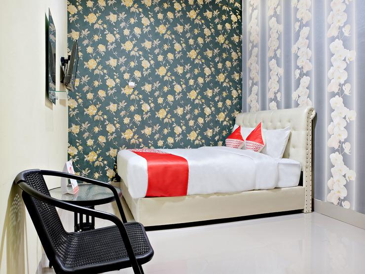 OYO 2595 Hotel Jinan Makassar Makassar - Bedroom D/D