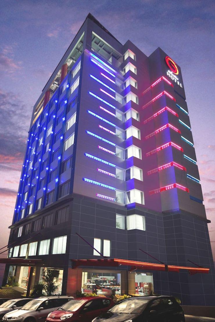 G Suites Hotel Surabaya - Hotel Front