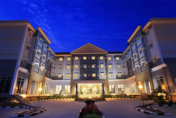 Brits Hotel Pangkalan Bun Kotawaringin Barat - Exterior