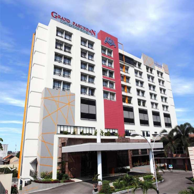 Grand Pasundan Hotel Bandung - Featured Image
