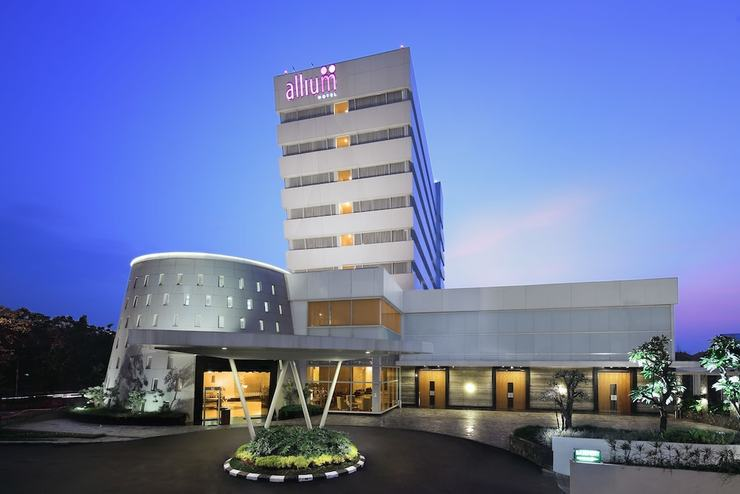 Hotel Allium Tangerang - Front of Property - Evening/Night