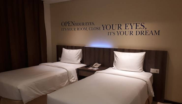 Kyriad Hotel Metro Cipulir Jakarta - Deluxe Twin