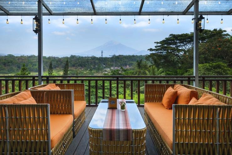 Puri Asri Hotel & Resort Magelang - Balcony Pringgondani Restaurant