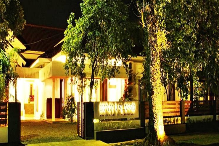 Diniya Suasso Hotel Padang - Tampilan Luar Hotel